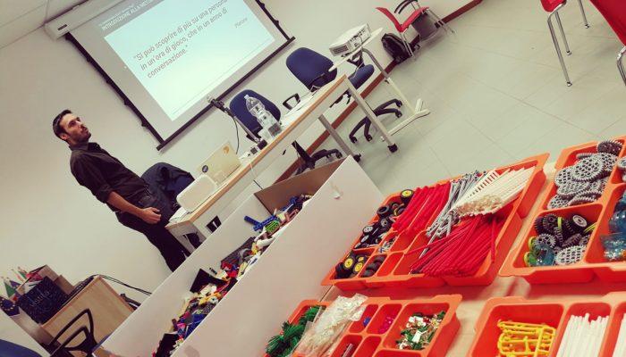 Una breve presentazione della metodologia LEGO® Serious Play®